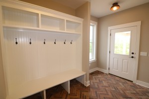 farmhouse laundry room 1