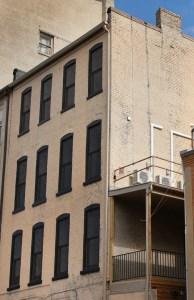 downtown-harrisonburg-apartments-1