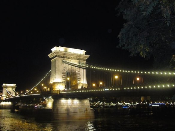 life behind the Iron Curtain - Chain Bridge today