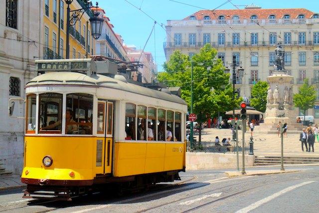 Lisbon architecture - yellow tram