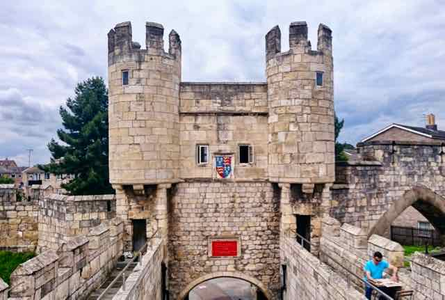 York Gatehouse Coffee - York city walls walk