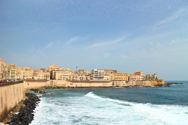 day trips from Catania by public transport - Syracuse Ortygia