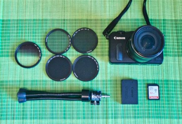 mirrorless camera and accessories for less than 400