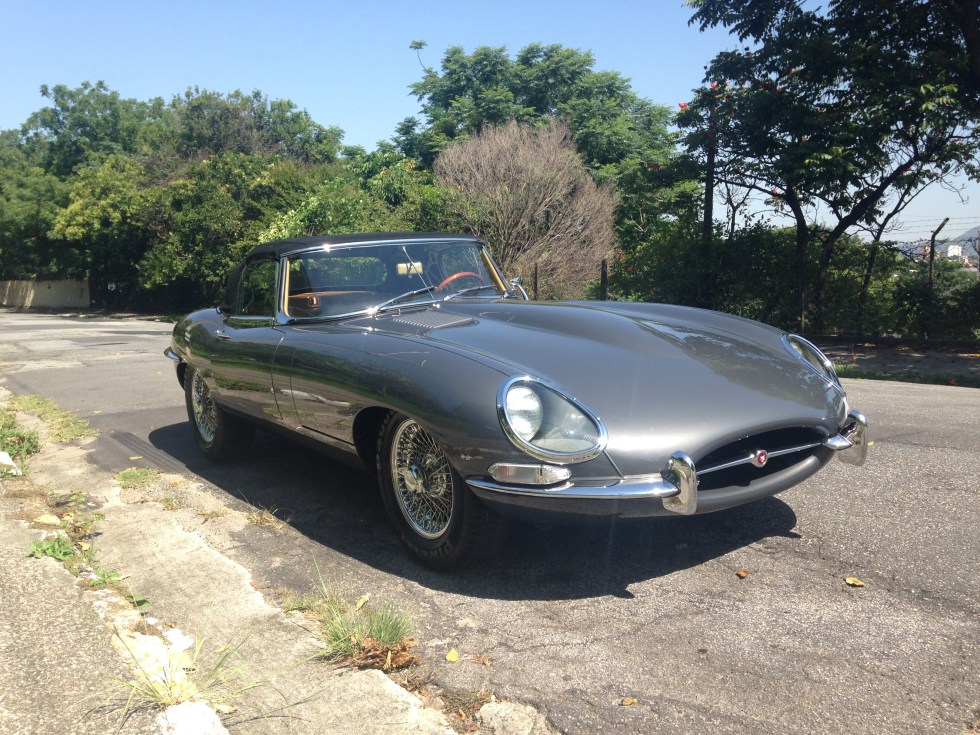 1961 Jaguar E-type roadster