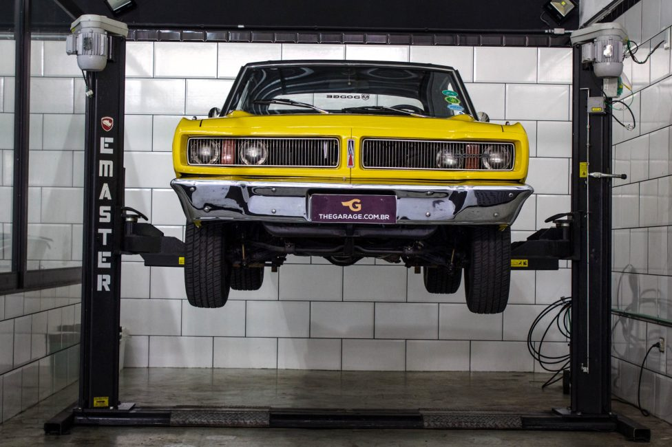 1975 Dodge Charger R/T Amarelo