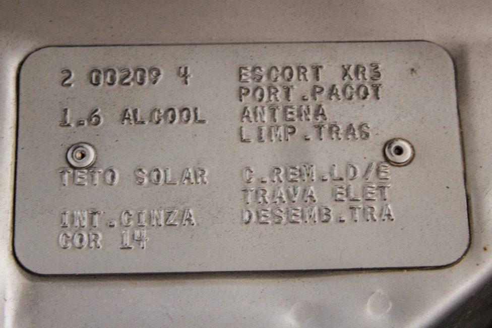 1986-ford-escort-xr3-plaqueta