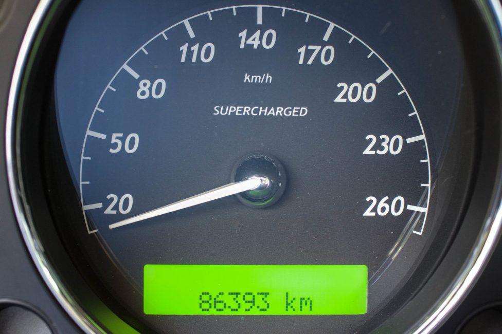 Painel do Jaguar XJ8 Supercharger 2004