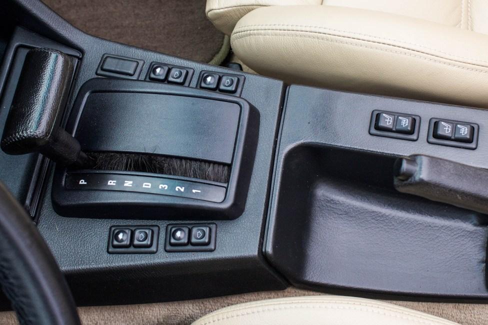 1988-bmw-325i-e30-conversivel-vermelha-cambio