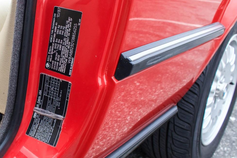 1988-bmw-325i-e30-conversivel-vermelha-indentificação