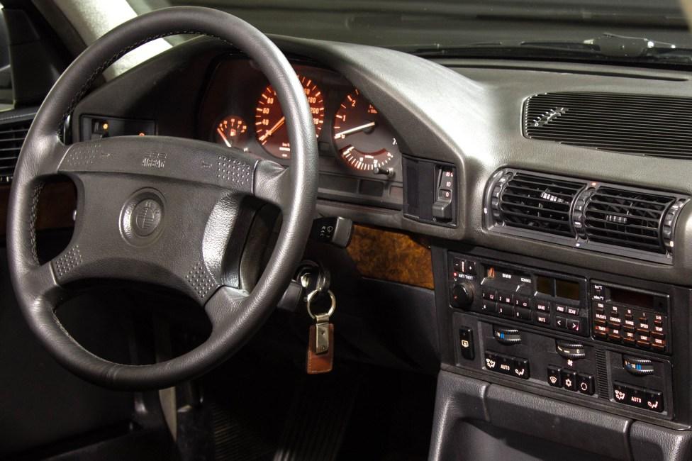 1994-BMW-540i-E34-the-garage-carros-antigos-clube-bmw