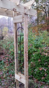 How to build a 6' rustic garden arbor, DIY garden arbor