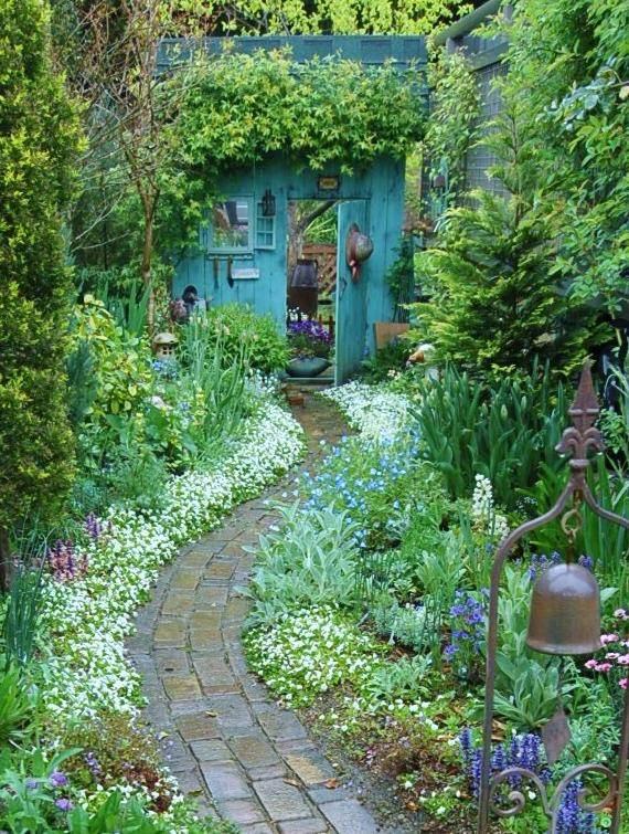 Beautiful Backyards: Inspiration for Garden Lovers! | The ... on Stunning Backyards  id=45949