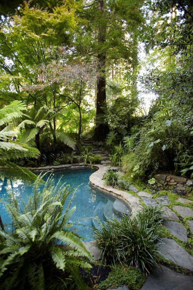 Beautiful Backyards: Inspiration for Garden Lovers! • The ... on Stunning Backyards  id=90790