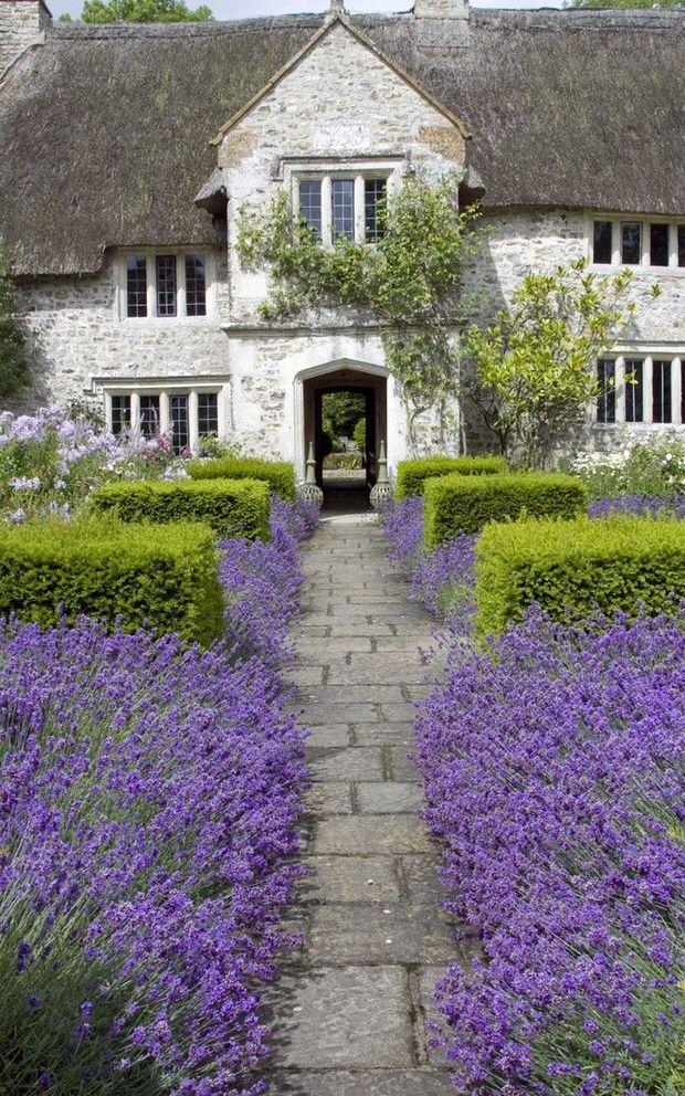 Beautiful Backyards: Inspiration for Garden Lovers! • The ... on Stunning Backyards  id=69550
