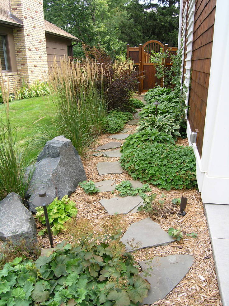 DIY Garden Paths And Backyard Walkway Ideas | The Garden Glove on Side Yard Walkway Ideas  id=49424