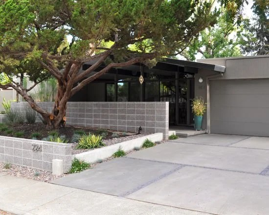 5 Ways to Use Cinder Blocks in the Garden | The Garden Glove on Backyard Cinder Block Wall Ideas  id=69103