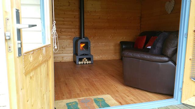 Woodburning stove to heat summerhouse