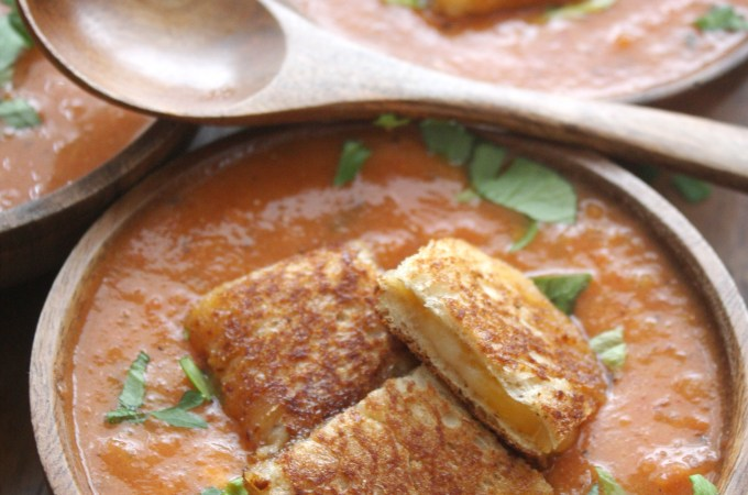 Spicy Roasted Red Pepper Tomato Soup with Grilled Cheese Croutons