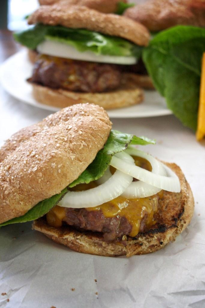 Jalapeno Popper Cheeseburgers -- TheGarlicDiaries.com
