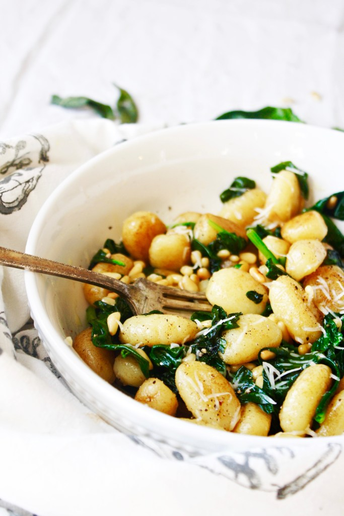 30 Minute Brown Butter Sage Gnocchi with Spinach and Pine Nuts - With the perfect combination of flavors, this quick and easy dish will become a family favorite in your house! - TheGarlicDiaries.com