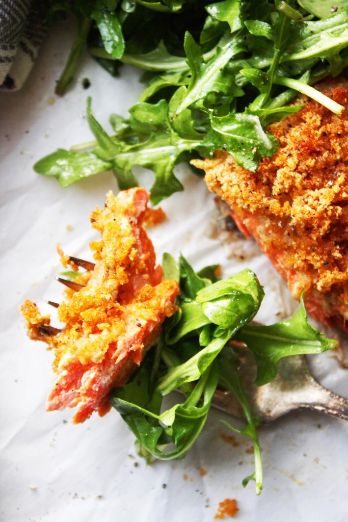 Dijon Crusted Salmon with Simple Arugula Salad [21 Day Fix] - This salmon could NOT be any more flavorful! The combination of dijon mustard, lemon juice, and paprika seasoned bread crumbs will have you thinking about this healthy dinner for weeks! TheGarlicDiaries