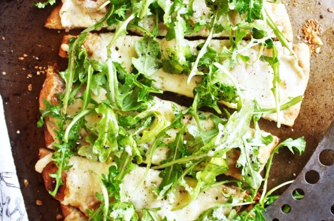 Cheesy Pizza with Lemon Arugula