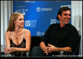 Kelli Garner and Paul Schneider