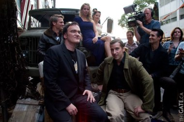 Quentin Tarantino with the background players