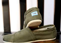 Military Olive Canvas Men's Classics