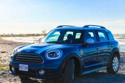 Mini Cooper Countryman on Lake Ontario