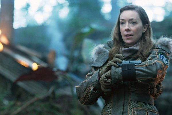 Molly Parker as Maureen Robinson in Lost In Space