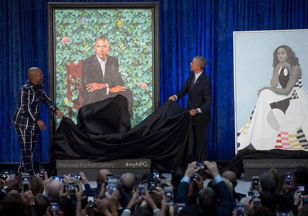 https://i1.wp.com/www.thegatewaypundit.com/wp-content/uploads/180212-barack-obama-portrait-unveil-njs-1049a_610929c575975506b79a4420b6bf8707.nbcnews-ux-1024-900.jpg