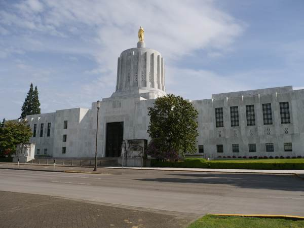 Oregon Forces Thousands To Pay Back Unemployment Checks Due To State Errors