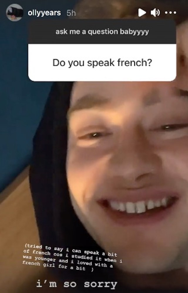 Does Olly Alexander speak other languages?