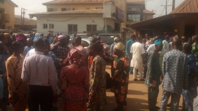 Photo of Ayobo-Ipaja Residents Protest Alleged Imposition Of CDA Leadership In The LCDA