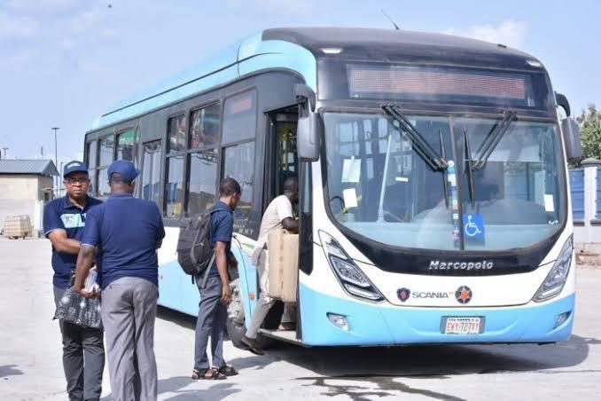 That Blue Bus By Samuel Ogunnaike
