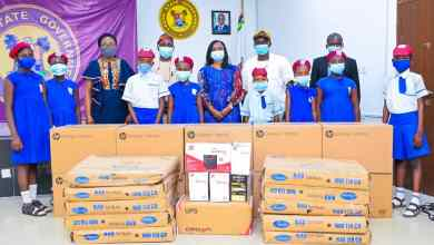 Photo of Lagos First Lady Donates Computers, Other Accessories To School In Yaba