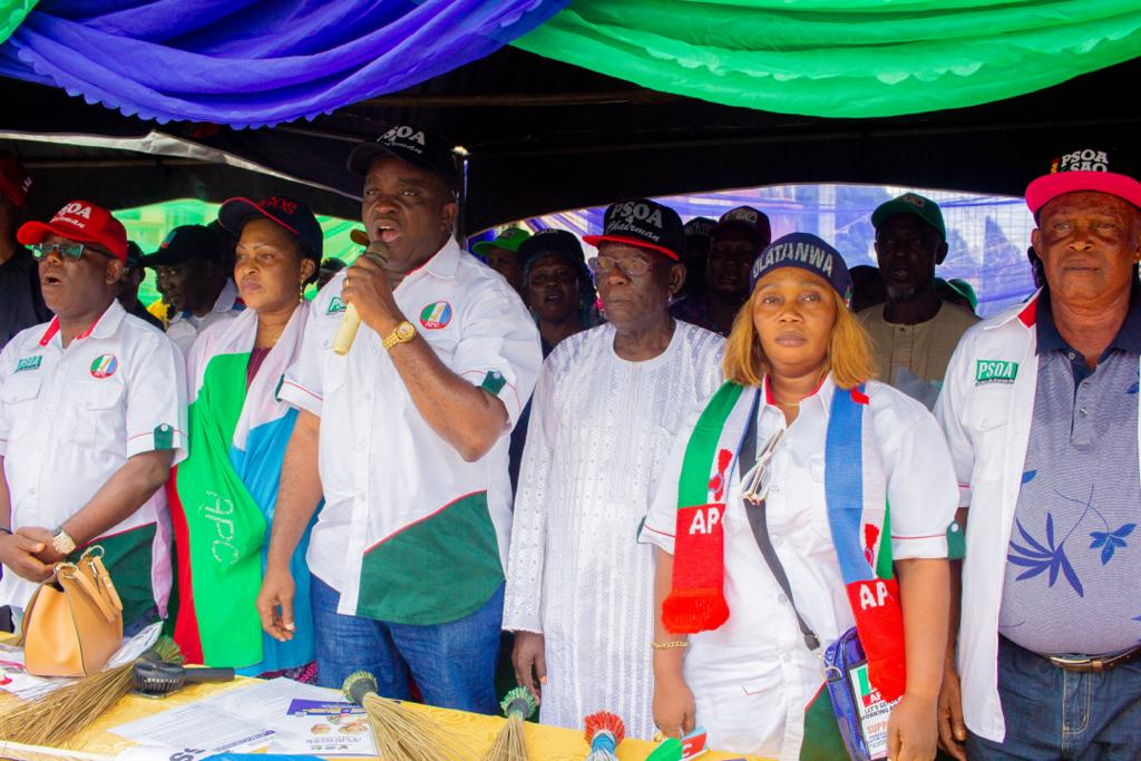 Party Leaders Express Support For Epe APC Chairmanship Candidate At Campaign Flag Off