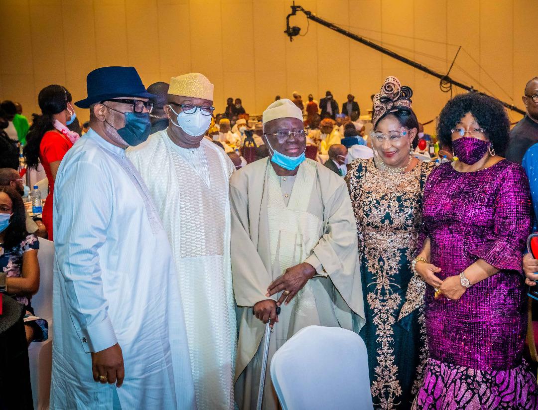 Fayemi Dedicates Governor Of The Year Award To Ekitikete