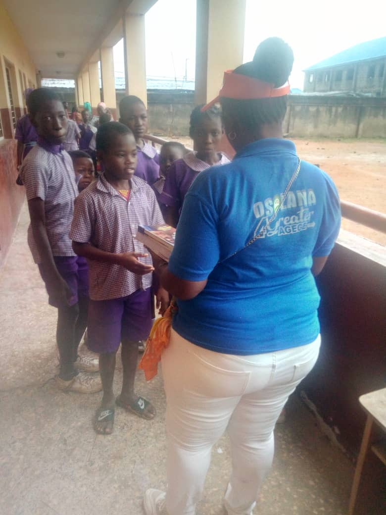 LG Poll: Sola Osolana Campaign Organisation Distributes Free Exercise Books To Agege Pupils