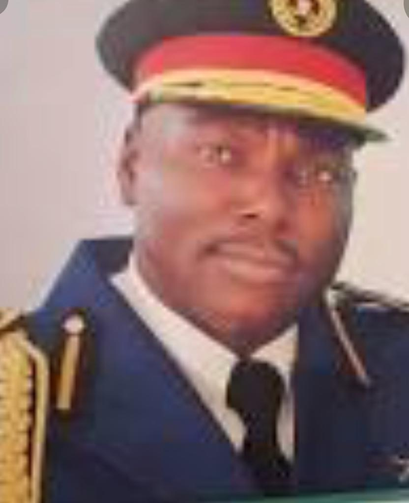 NSCDC Special Female Squad Arrests Job Scammer, His 100 Victims; Details Of How He Collected N100,000 From Each Victim