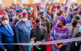 Osinbajo At Ekiti Summit, Lauds Fayemi's Development Initiatives; Inaugurates Civic Centre