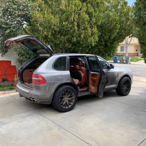 Dean's also got a Cayenne Turbo with lockers. | img: owner
