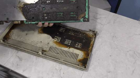 Commodore VIC-20 Restoration - Worst Condition Ever 0008 - Corrosion Revealed