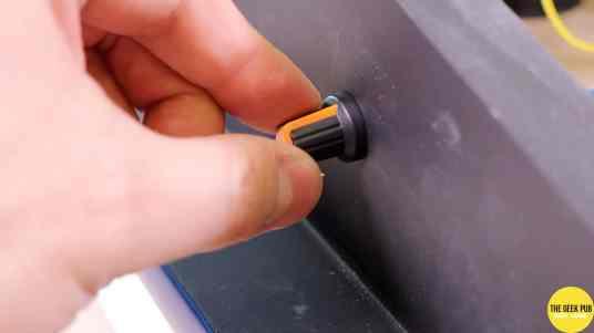 installing the knob