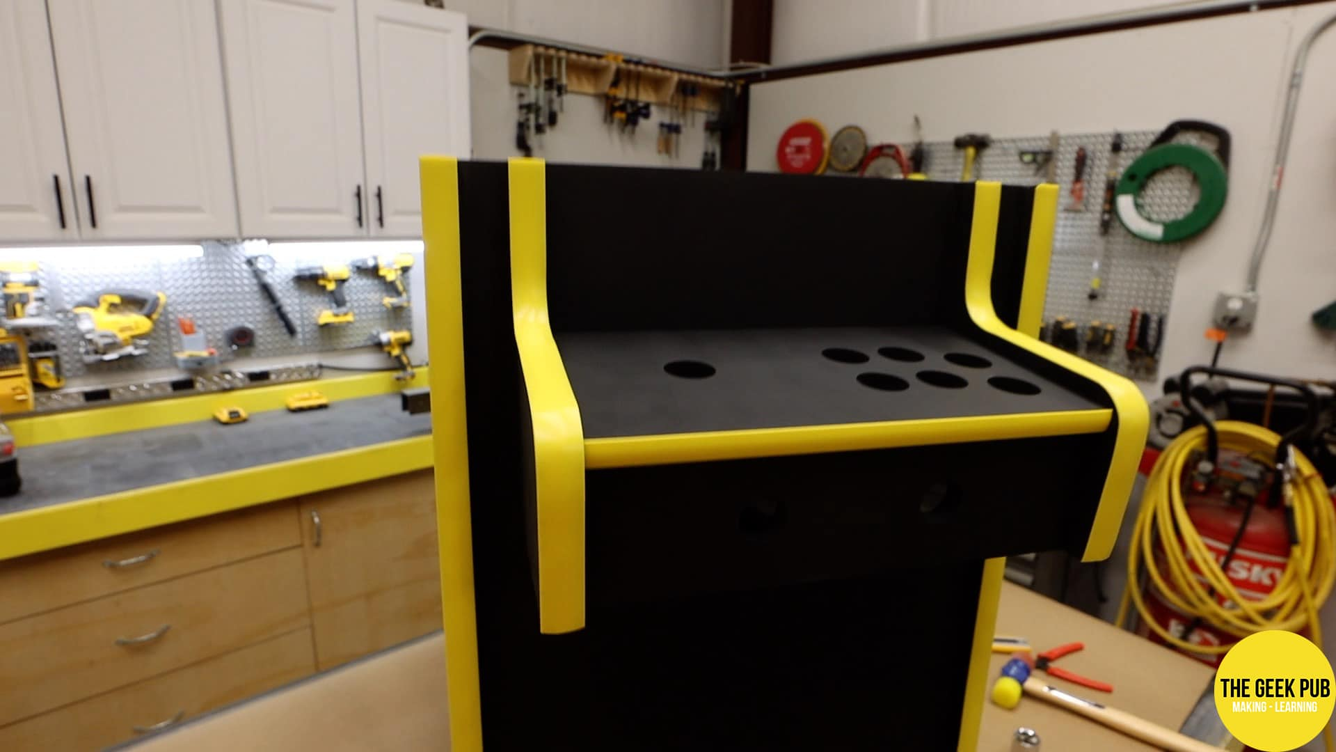 Cocktail Table Arcade T-Molding