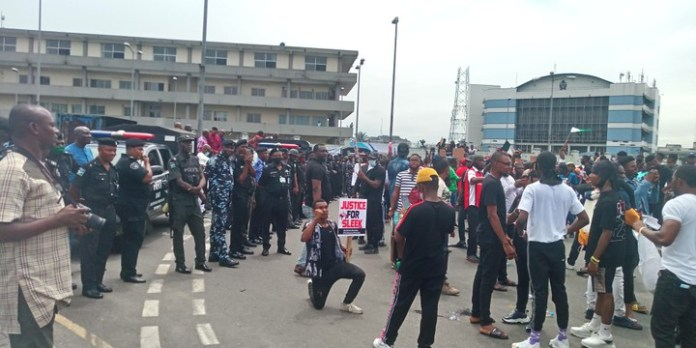 BREAKING: Port-Harcourt #EndSARS Protest Recieves BBC LIVE Coverage [VIDEO]