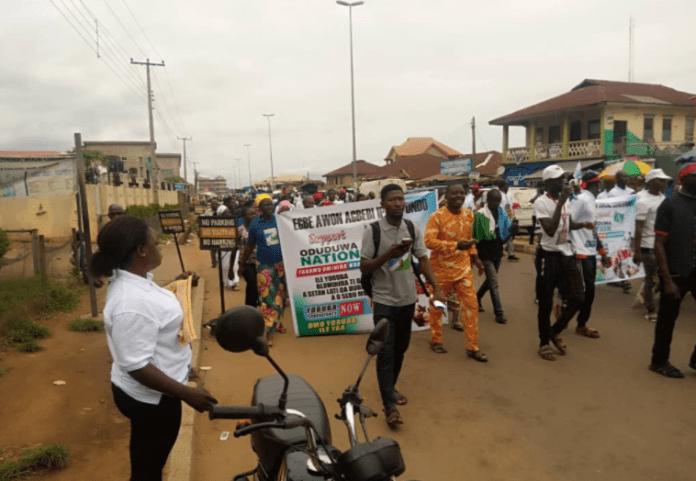 JUST IN: #YorubaNation Agitators Storm Akure For Rally [PHOTOS]