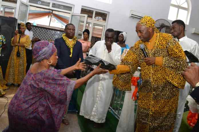 PHOTOS:Primate Ayodele Empowers Women With N7 Million In His Church