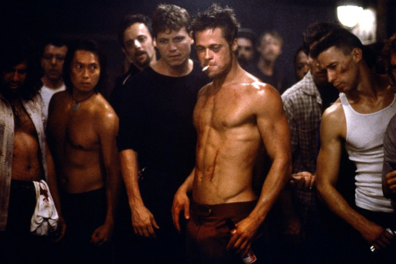 Brad-Pitt-Fight-Club-Hot-Shirt-Off1
